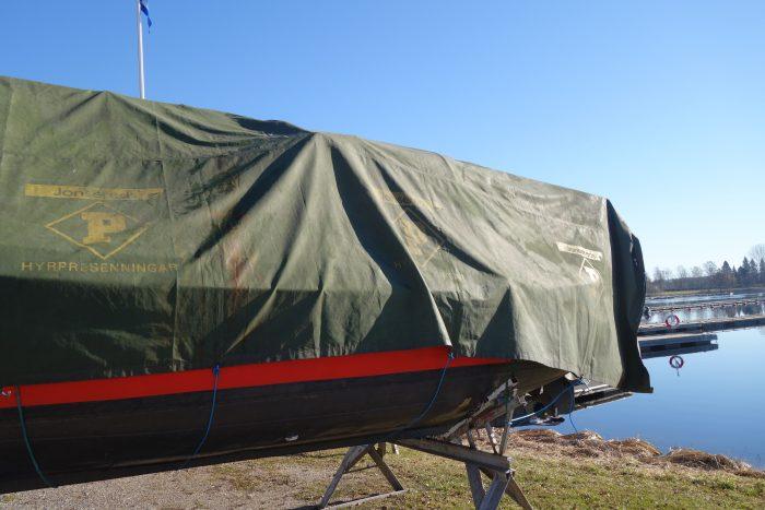Hyrpresenning för båt